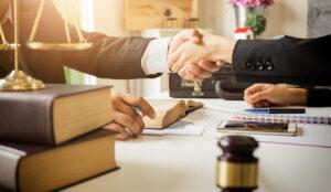 La prevención a tiempo en los despachos de abogados